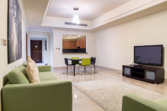 For short-term rent are offered apartments in the Fairmont Residence on the famous Palm Jumeirah